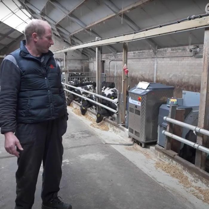 De boer aan het woord: René Elshof over zijn kalverdrinksystemen
